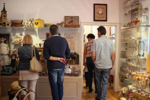 besucher puppenmuseum